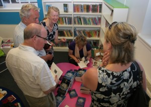 Signing ay TW Library