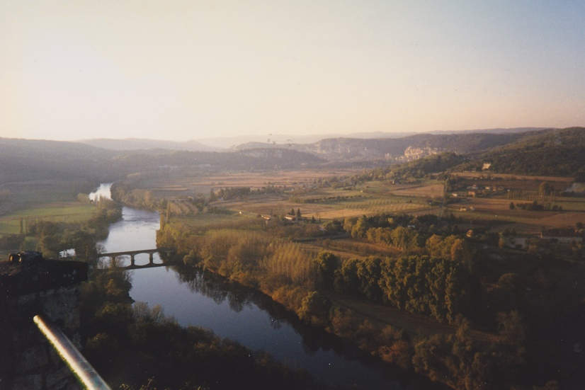 View of Dordogne river from ramparts at Domme_sm