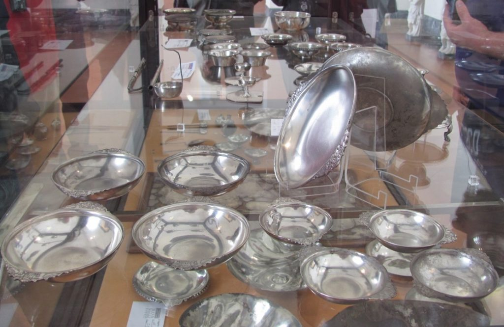 silver-dishes-from-pompeii-and-herculaneum-naples-museum