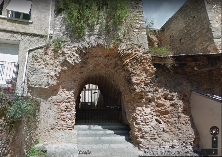 Vomitorium, Poitiers amphitheatre